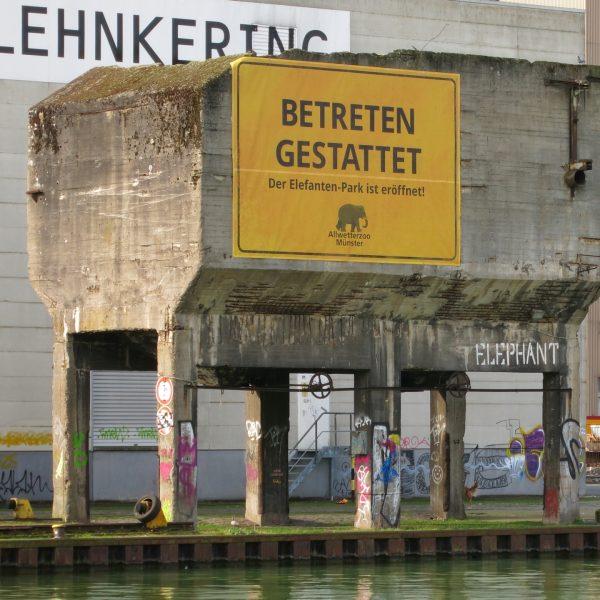 Werbung im Hafen von Münster