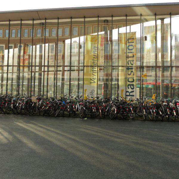 Radstation - Parkhaus für Fahrräder in Münster
